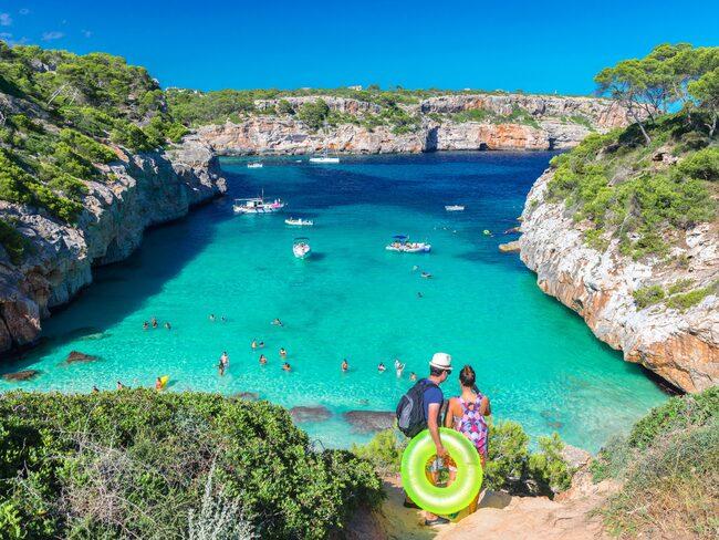 Nu står det klart att turistskatten fördubblas. För en barnfamilj kan semestern därmed bli flera tusenlappar dyrare.