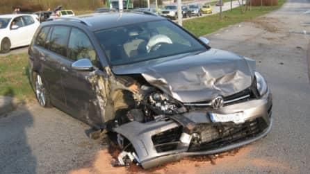 Den 19-årige föraren tappade kontrollen över sitt fordon. Foto: Polisen