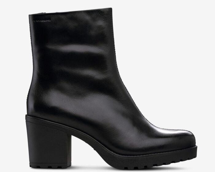 d04dfc20d28a Boots Grace från Vagabond är i helt slät, klassisk modell med rundad tå.  Bockklack i kombination med platåsulan fram gör bootsen bekväma att gå och  stå i, ...