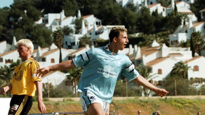 upptÆckt. Zlatans supermål i La Manga inför talangscouterna i mars 2001 fick Ajax att agera. 13 dagar senare var storaffären klar. Foto: Leif Andersson