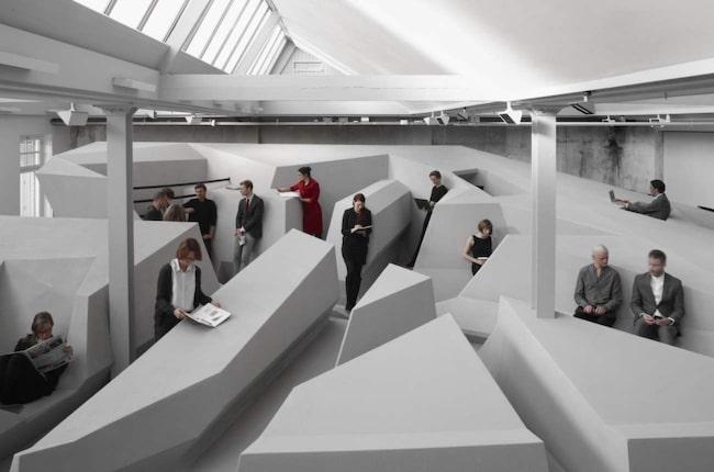 Kan det här vara framtidens kontor? Det ska åtminstone finnas massor av bekväma och ergonimiska arbetsställningar att välja mellan.