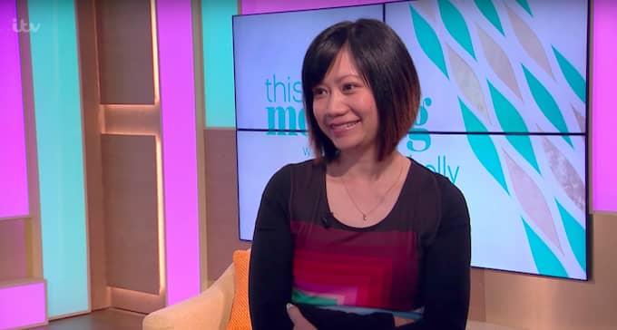 Mannens fr, Hannah, är okej med sexdockan i deras liv. Foto: ITV