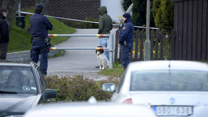 En kvinna i 20-årsåldern kidnappades, våldtogs och hölls inlåst i en källare i Malmö. Polisens insatsstyrka fritog kvinnan från en lägenhet i Malmö i slutet av april. Foto: FRITZ SCHIBLI