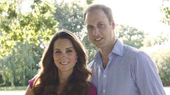 Kensington Palace meddelade på Twitter att Kate Middleton var i ett tidigt stadie av sin förlossning och nu har åkt till St Marys Hospital. Foto: Alpha Press