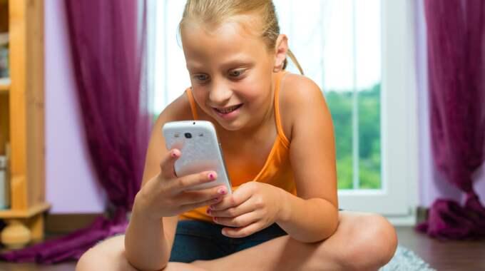 Mobilsurf håller på att segla upp som en ny hårdvaluta för barn. Foto: Colourbox
