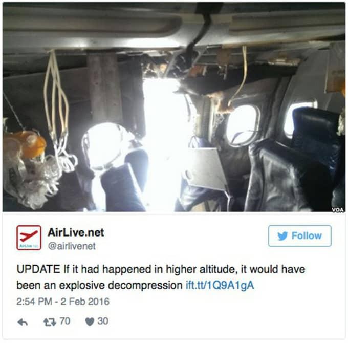 Den här tweeten från AirLive.net visar planet inifrån.