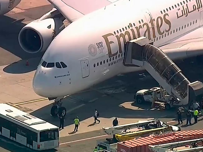 Resenärer som dricker alkohol på flyget till Dubai kan arresteras.