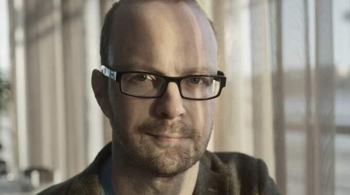 Alfred Skogberg ser självmorden som en pågående katastrof. 2013 tog 1 606 människor sitt liv. Foto: Sebastian Waldenby