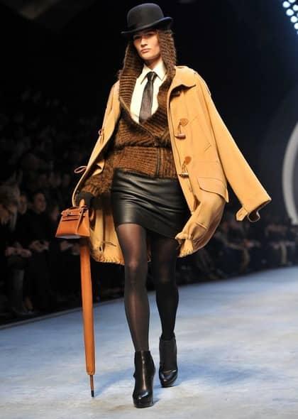 Naken catwalk modeller