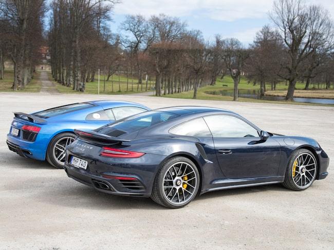 Porsche 911 Turbo S är en av de stulna modellerna (gäller dock ej bilen på bilden).