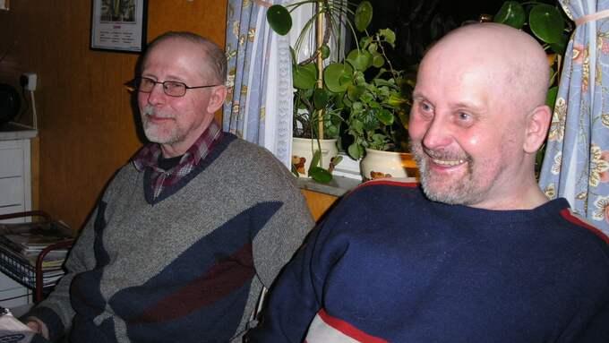 Roger Lindberg (t.v.) mördades i ladugården i Kalamark. Lillebror Sune (t.h.) Lindberg överfölls inne i huset. Foto: Privat