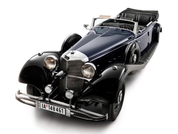 En av historiens mest kontroversiella bilar är till salu.