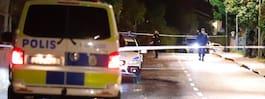 Smällar i Älvsjö – bil har lämnat platsen