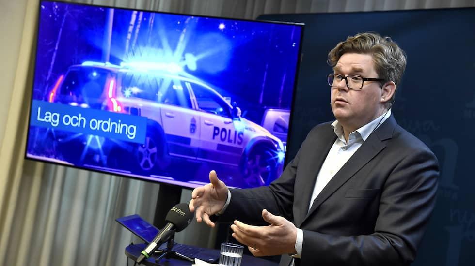 Moderaternas Gunnar Strömmer presenterar partiets prioriteringar inför valet. Foto: CLAUDIO BRESCIANI/TT