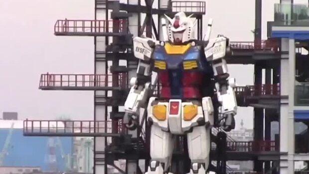 Kolla in den 18 meter höga roboten i Japan – som kan röra sig