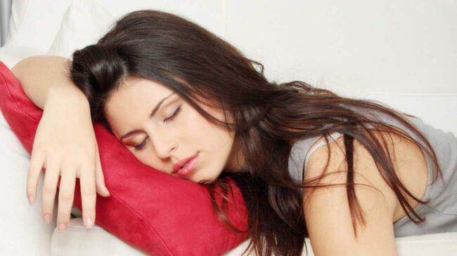 Att lägga dig på soffan efter en tuff arbetsdag kan i många fall kännas lockande. Men sanningen är att du får mer energi och kraft av ett jobbigt träningspass. Du måste bara ta dig dit... eller träna hemma.