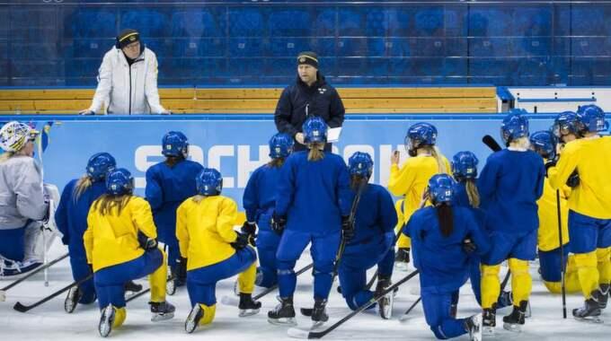 Spelarna väcktes för träning - mitt i natten. Foto: Claudio Bresciani