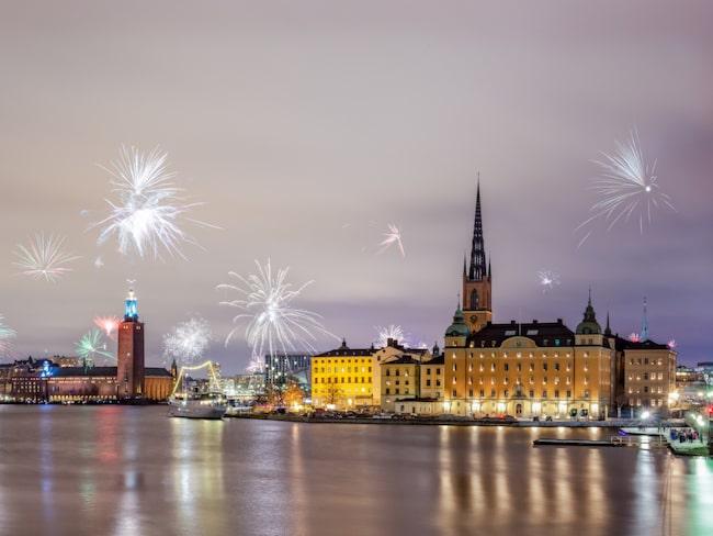 Fyrverkerierna i Stockholm på tolvslaget är många – och utsiktsplatserna likaså.