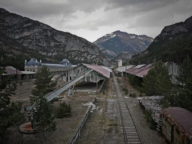 En av Europas finaste järnvägsstationer kan öppnas igen efter att ha stått övergiven i 50 år.