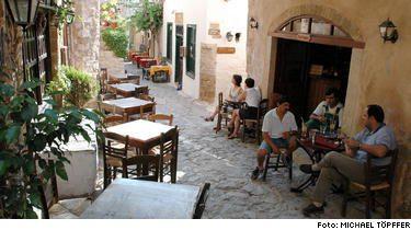 Pippi pš medeltiden. Nonevasia är en av Peloponnesos mest spännande städer. I en Pippi Långstrump-liknande miljö ger besöket här en spännande inblick i livet runt medeltiden.