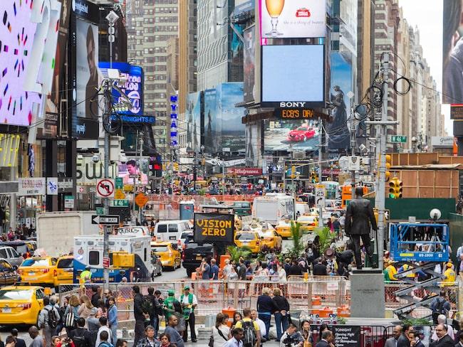 Reklam och turister - det är i princip allt som Times Square har att erbjuda.