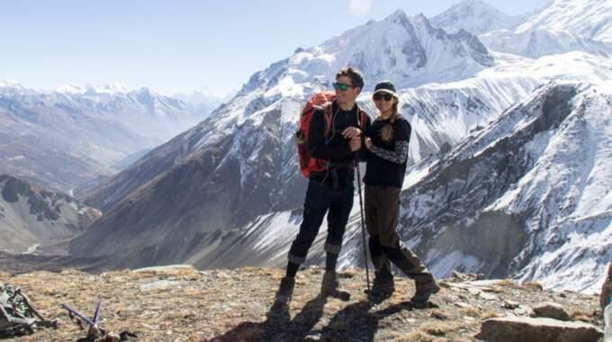 Paret försörjer sig på att säsongsarbeta som dyk- och skidinstruktörer. Foto: Privat