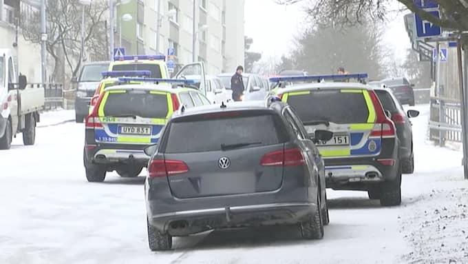 Efter dubbelmordet i Hallonbergen den 7 mars inledde polisen en intensiv jakt på gärningsmännen.
