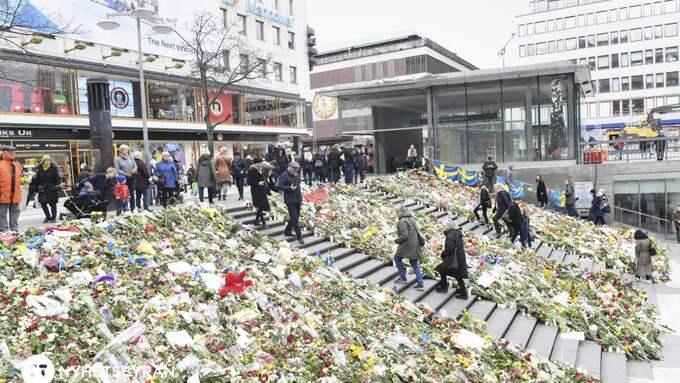 Fem personer dödades i terrordådet på Drottninggatan i Stockholm den 7 april. Foto: FREDRIK SANDBERG/TT