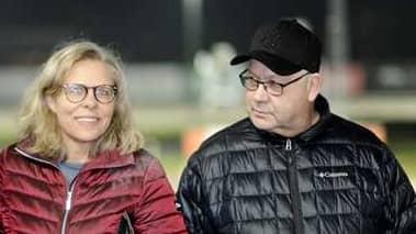Skötaren Anne Haglund och tränaren Mats Rånlund
