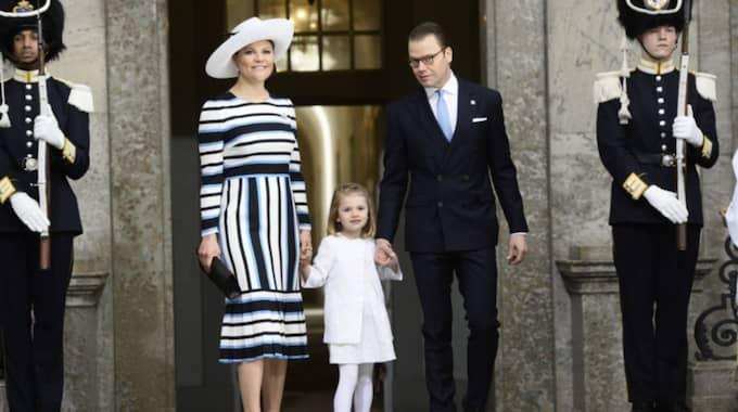 Victoria är den som är mest modernt klädd i kungafamiljen, säger Expressens modeexpert Emma Danielsson. Foto: Maja Suslin/TT