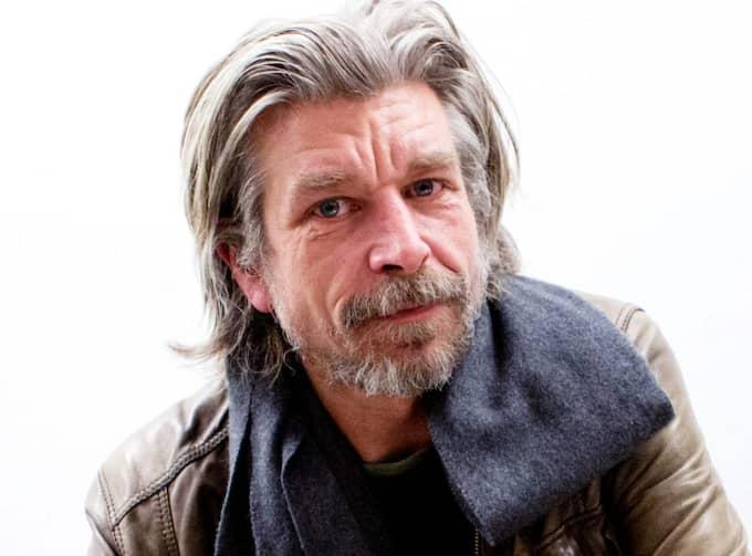 Efter den senaste veckans kulturdebatt om manliga författares dragning till unga tjejer: Nu svarar Karl Ove Knausgård, 46, på kritiken i Dagens Nyheter. Foto: Sanna Dolck