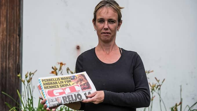 """Pernilla Carlberg, 42, Lerkil, lokalvårdare på skola i Kungsbacka: """"Det är bra för att få info om Göteborg på helgerna, för vi läser bara Norra Halland annars och blir inte att man åker till affären så ofta."""" Foto: HANNA BRUNLÖF"""