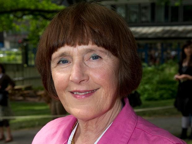 Förre statsepidemiologen kritisk mot Sveriges strategi