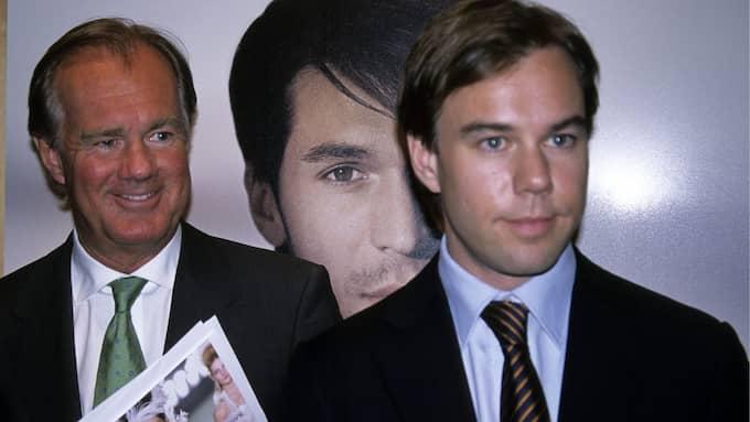 H&M:s storägare och styrelseordförande Stefan Persson och sonen Karl-Johan, som är bolagets vd och koncernchef, har på nära håll kunnat följa klädjättens dystra utveckling på börsen. Foto: MARK MARKEFELT / SCANPIX SWEDEN