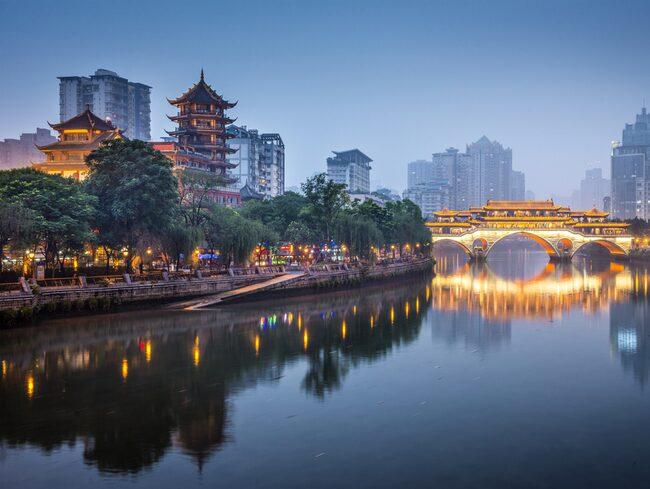 Chengdu i Kina vill satsa på en konstgjord måne för att lysa upp staden.