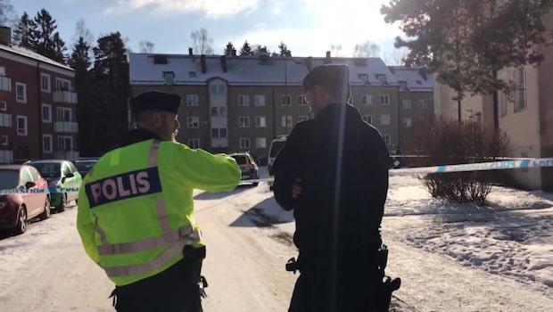 Man hotade polisen med vapen – sköts med flera skott