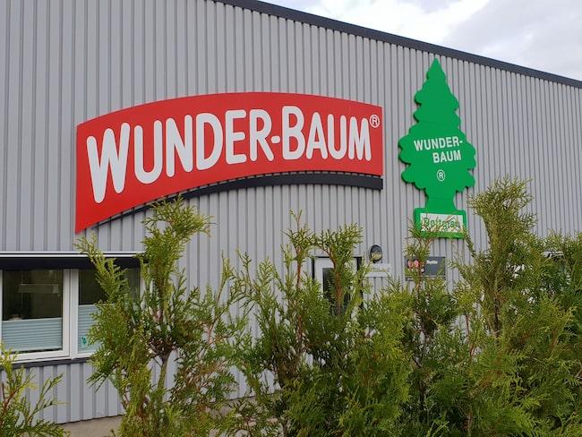 I fabriken i Strömstad producerar företaget Wunder-Baum miljontals granar varje år.