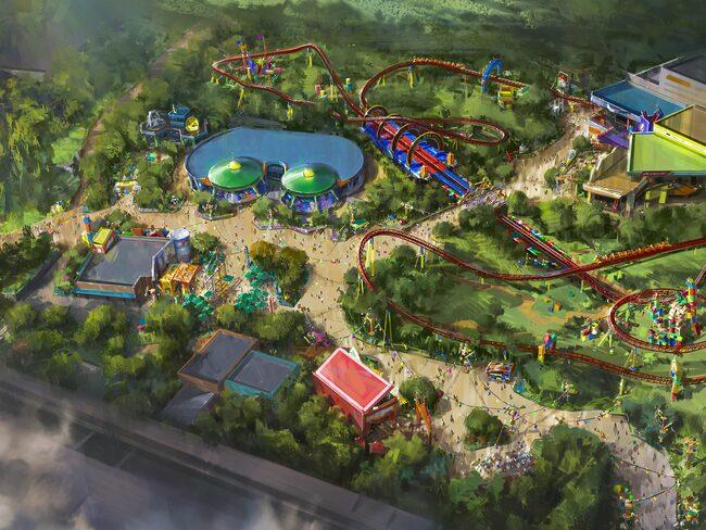 Till sommaren öppnas nu två nöjesparker byggda kring filmernas figurer och handling.