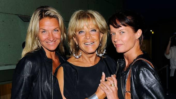 Lill-Babs tillsammans med döttrarna Kristin Kaspersen och Malin Berghagen Foto: KARIN TÖRNBLOM / IBL BILDBYRÅ / IBL BILDBYRÅ IBL BILDBYRÅ / IBLAB