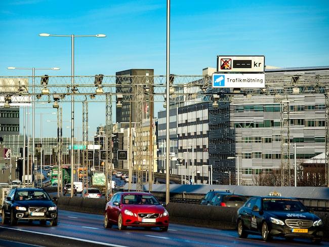 Trängselskatten i Stockholm höjs vid årsskiftet.