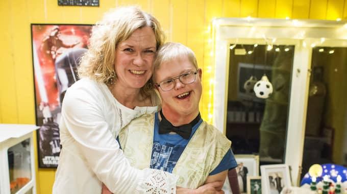 Marie Winald Karlström och sonen Jesper. Foto: Suvad Mrkonjic