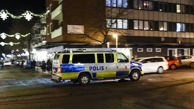 Polisnärvaron har ökats i Ronneby. Bilden är från en manifestation i staden, mot våld. Foto: JENS CHRISTIAN