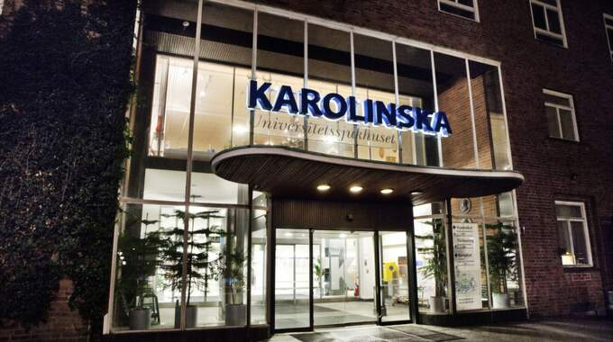 Mannen avled på Karolinska sjukhuset i Solna. Foto: Emil Nordin