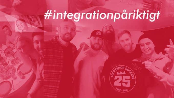 Nu hoppas han att fler ska bidra till det ideella projektet #integrationpåriktigt. Foto: Skärmdump/Facebook