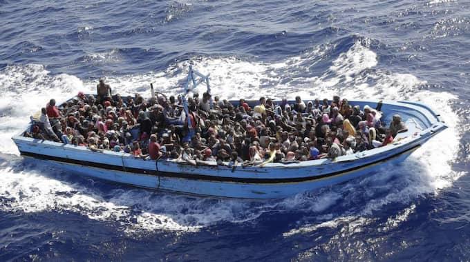 Båtflyktingar i Medelhavet. Foto: Giuseppe Lami / Epa / Tt
