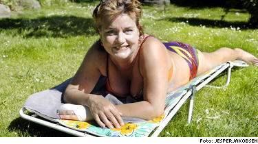 Angela Sandell, 43, hade problem med soleksem innan hon började äta kosttillskott med betakaroten.