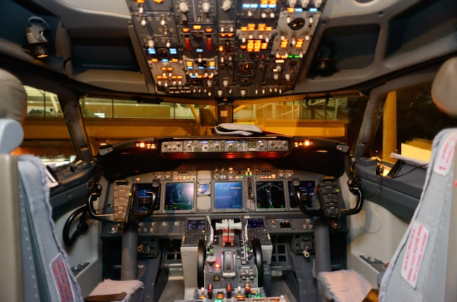 Cockpiten på en Boeing 737 kan se komplicerad ut. Men med Tim Morgans guide kan du ta kontroll över situationen.