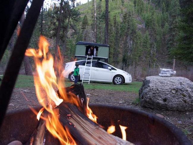 <span>BlackFin Camper Box är en &quot;popup&quot;-tält med hårda väggar.</span>