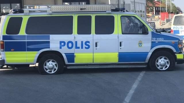 Två personer greps misstänkta för grovt rån. Foto: Läsarbild