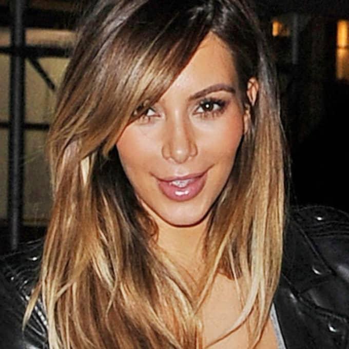 Kim Kardashian och Kanye Wests dotter... Foto: Stella Pictures